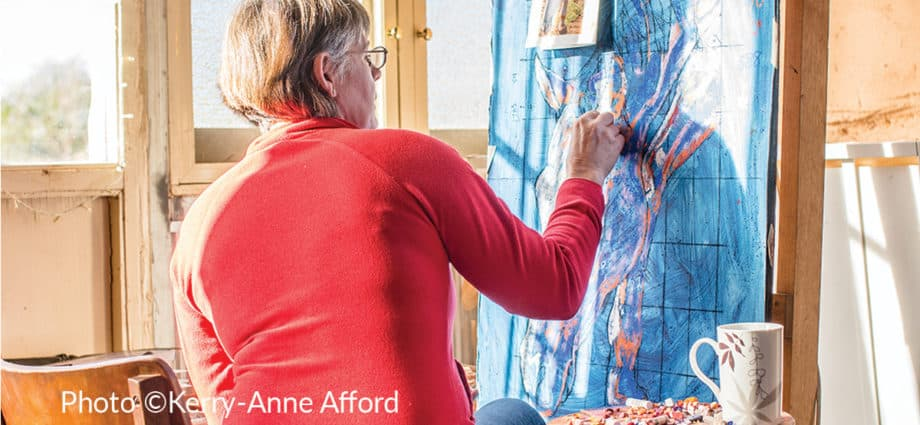 Equestrian artist Yvette Frahn at work in her South Australian Studio. Photo by Kerri Afford Photography. Equine artist